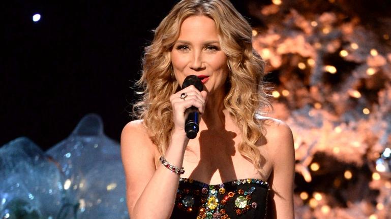 Jennifer Nettles Says Yes To Christmas Album – K106